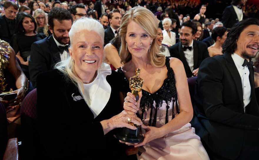 Diane Ladd and Laura Dern pose with the Oscar® for Actress In A Supporting Role during the live ABC Telecast of The 92nd Oscars® at the Dolby® Theatre in Hollywood, CA on Sunday, February 9, 2020.