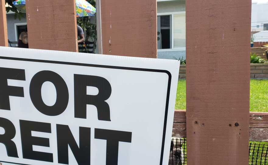 """A """"for rent"""" sign is pictured in San Diego, Sept. 17, 2020."""
