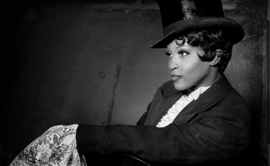 """Tymisha Harris pays tribute to Josephine Baker in her one-woman dream cabaret show """"Josephine,"""" returning to San Diego for one performance on Nov.17 at the Spreckels Theatre."""