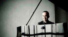 Pianist Inon Barnatan