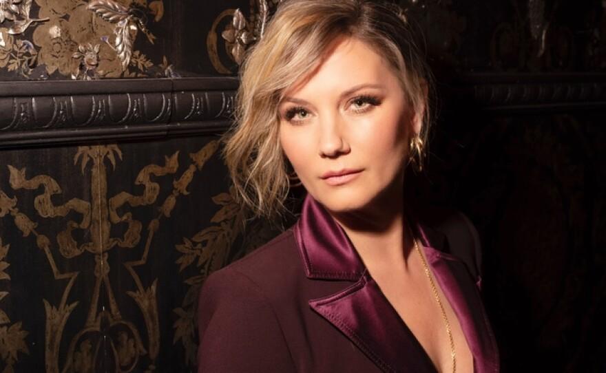 Singer-Songwriter Jennifer Nettles