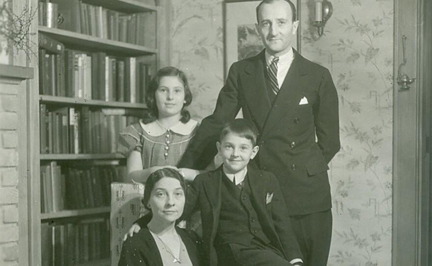 Friedman Family Portrait. Washington, D.C. Circa 1930s.
