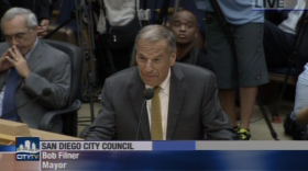 Mayor Bob Filner tells the City Council he will resign.