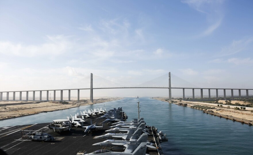 The Nimitz-class aircraft carrier USS Abraham Lincoln transits the Suez Canal in this photo released by the U.S. Navy on May 9, 2019.