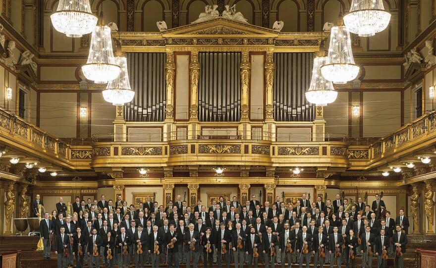 Enjoy theViennaPhilharmonic's annualsummernightconcert under the direction of a guest conductor at Austria's Schönbrunn Palace.