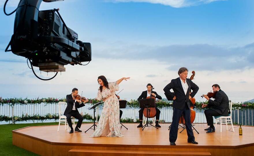 Aleksandra Kurzak, Roberto Alagna and musicians. France