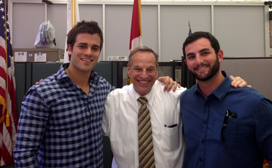 Philip Auchettl and David Loewenstein, two members of the NewSchool team, meet with Mayor Bob Filner.