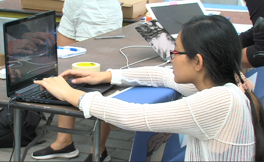 UC San Diego freshman Poiema Kim registers to vote at UC San Diego, Oct. 24, 2016.