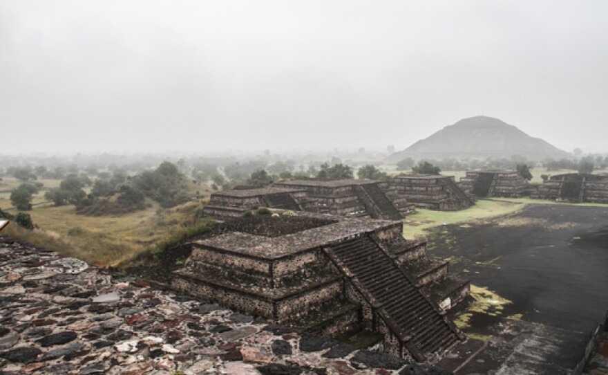 The ancient Mexican city of Teotihuacán is one of the biggest ghost towns in the world. The quest for its builders is one of the most fascinating challenges of today's archeology.