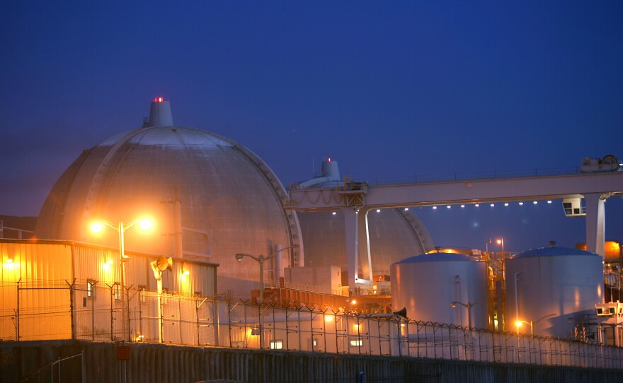 Evening sets on the San Onofre atomic power plant December 6, 2004 in northern San Diego County, south of San Clemente, California.