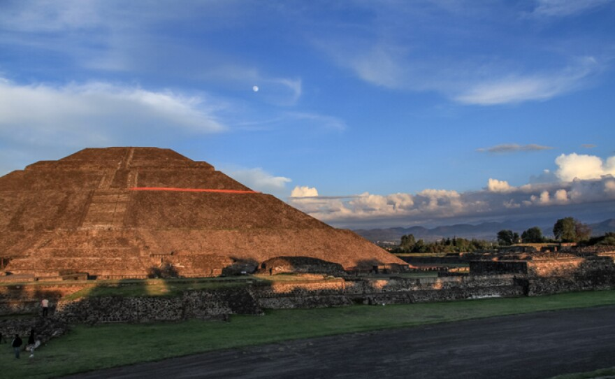 The Pyramid of the Sun in Teotihuacán stands at over 210 feet height as the third largest pyramid of the world.