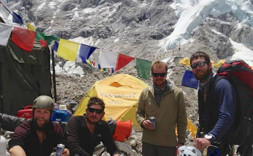 Everest_summit.jpg