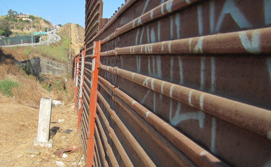 TJ_Border_Fence.jpg