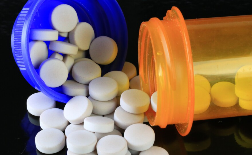 Sometimes doctors rapidly taper their chronic pain patients' opioid doses. Now a federal agency recommends against this.
