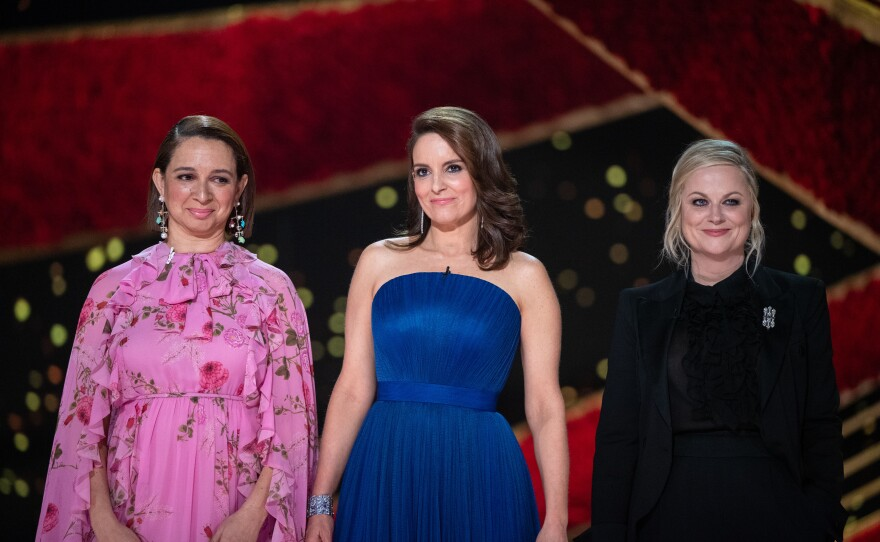 """Maya Rudolph, Tina Fey, and Amy Poehler open the no-host 91st Academy Awards but I'd watch these ladies host the Oscars. They gave the award for Best Supporting Actress to Regina King for """"If Beale Street Could Talk."""""""